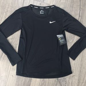 "Nike Dry ""dri-fit"" running top ~ Size Small NWT"